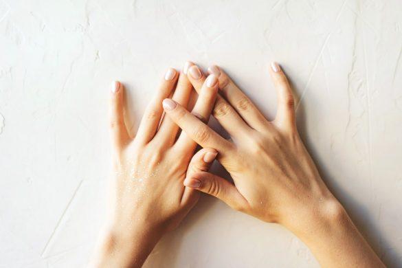 Come ringiovanire le mani